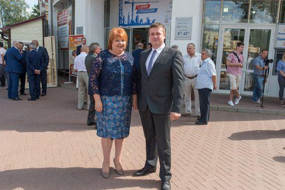 Фото Дмитрия Мирошниченко с  депутатом Государственной Думы Российской Федерации Максимовой Светланой Викторовной