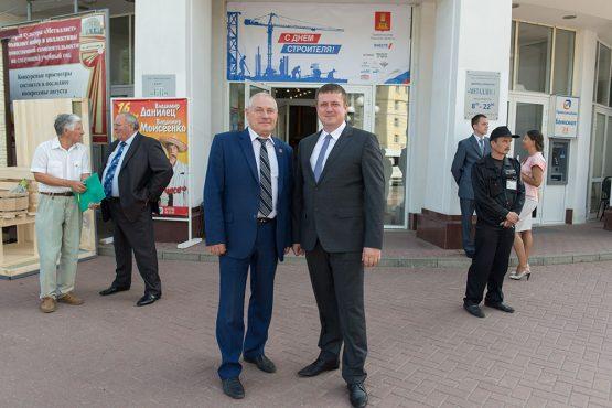 Фото Дмитрия Мирошниченко с Главой города Твери Корзиным Александром Борисовичем